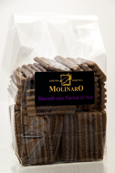 Biscotti con farina di riso nero.